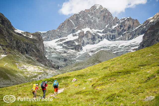 Hiking to the Obergabelhorn
